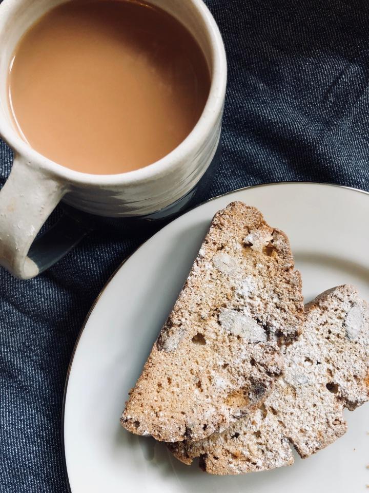 Biscote and Tea