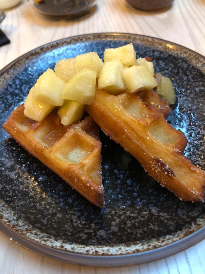 Kushi-ya Kinako fried waffle
